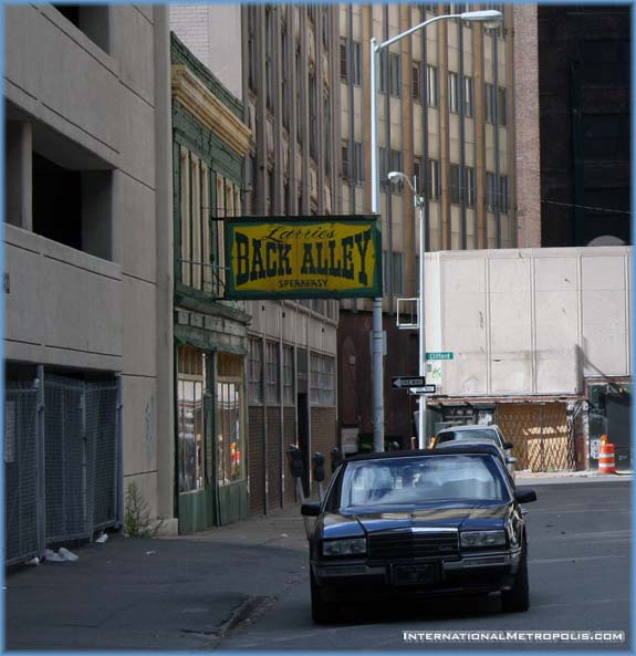 Photo Du Jour – October 21, 2005 – Back Alley Bar